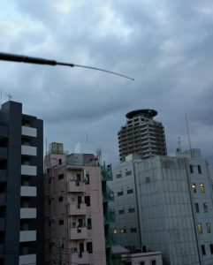 第1回ビルに囲まれた小さなアンテナから電波を出す(東京都内で)