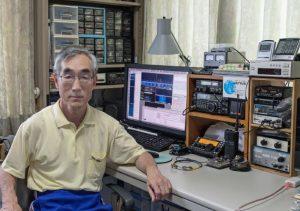 登米地域ARCの三浦明彦さん。普段は小出力の電波で国内外との交信を楽しんでいる